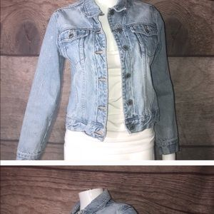 GAP juniors xl denim jacket (adult small)